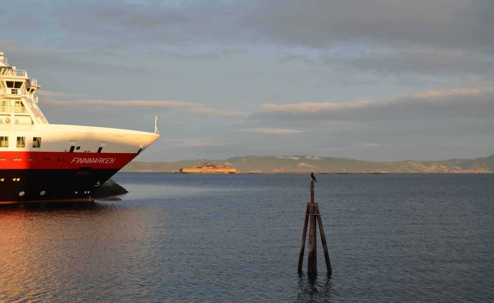 MS Finnmarken ved Pir1 og Munkholmen