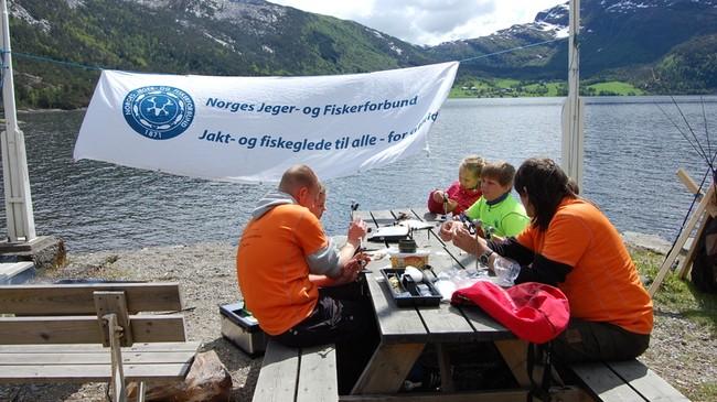 Frå sommarleiren til Norges Jeger- og Fiskeforbund Sogn og Fjordane 2011. Foto: Reidun Solberg Seim.
