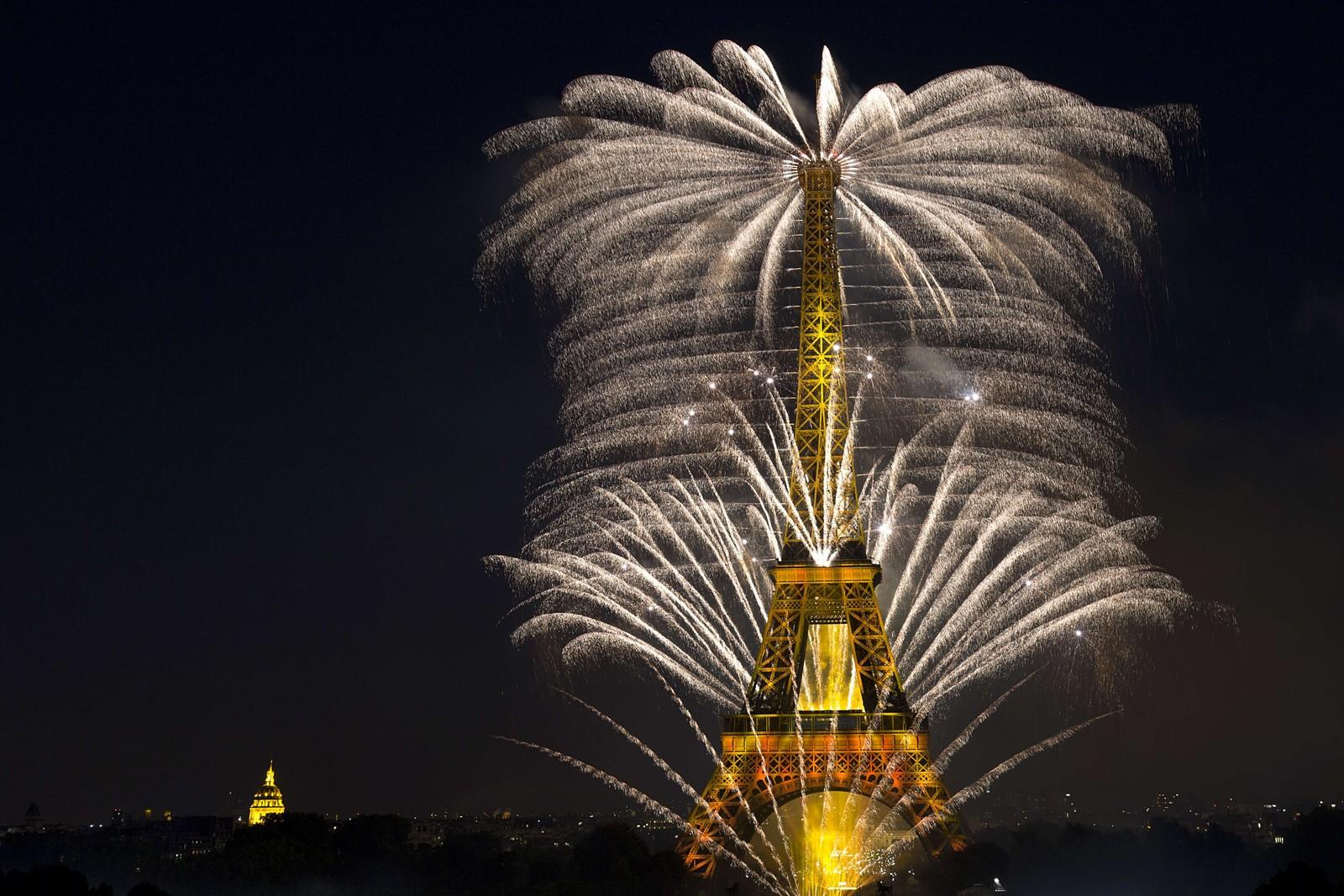 Franskmennene feiret nasjonaldagen med fyrverkeri denne uka.