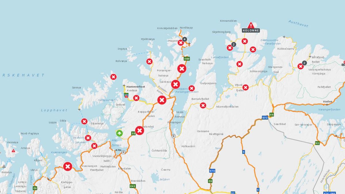 I Finnmark er 27 veier stengt og én kolonnekjørt onsdag formiddag.