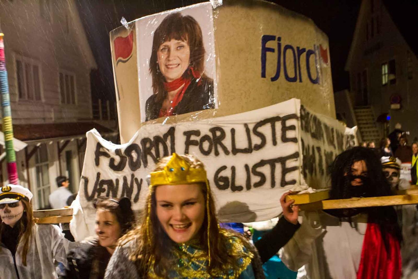 Fylkesordførar Jenny Følling fekk tyn for salet av Fjord1.
