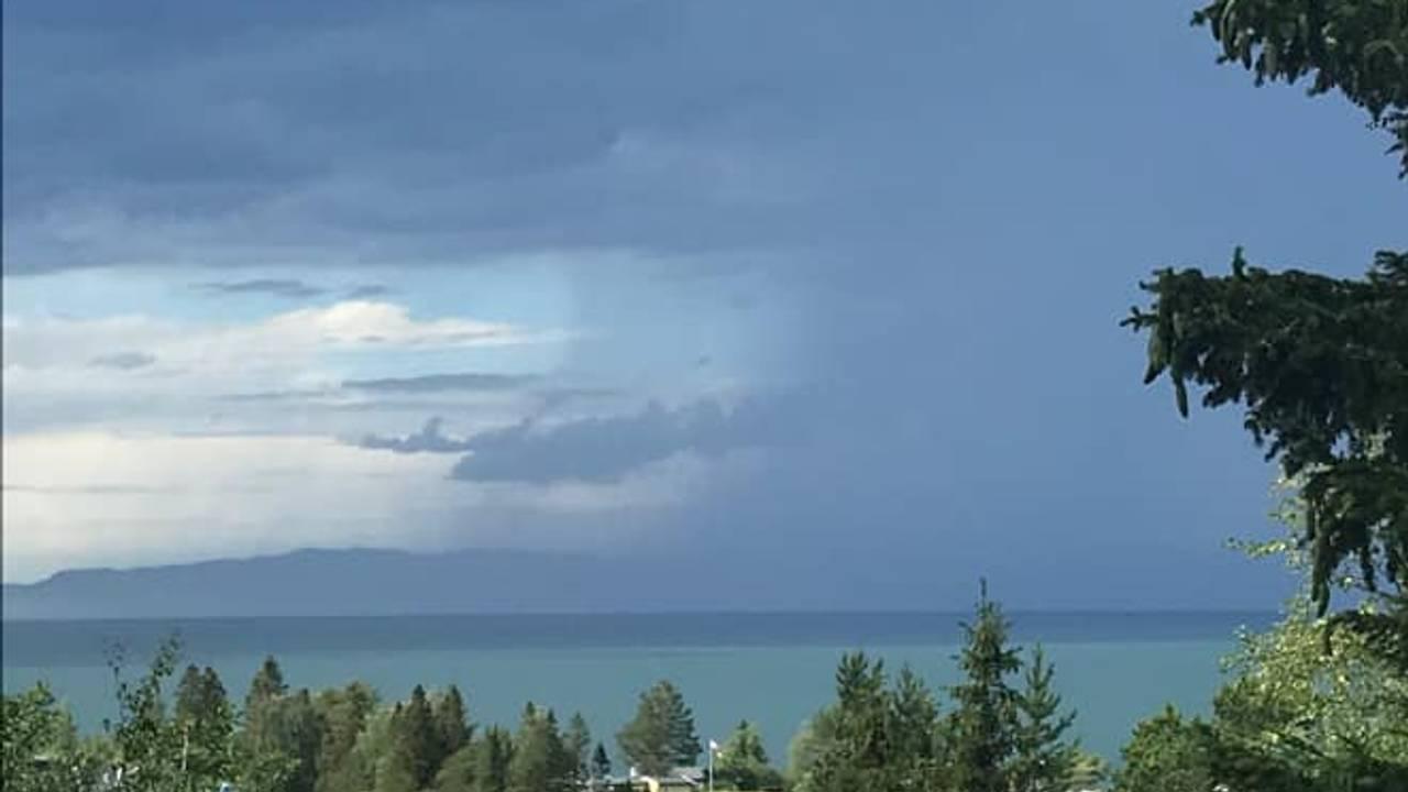 Mørke skyer over Muruvik, Malvik kommune