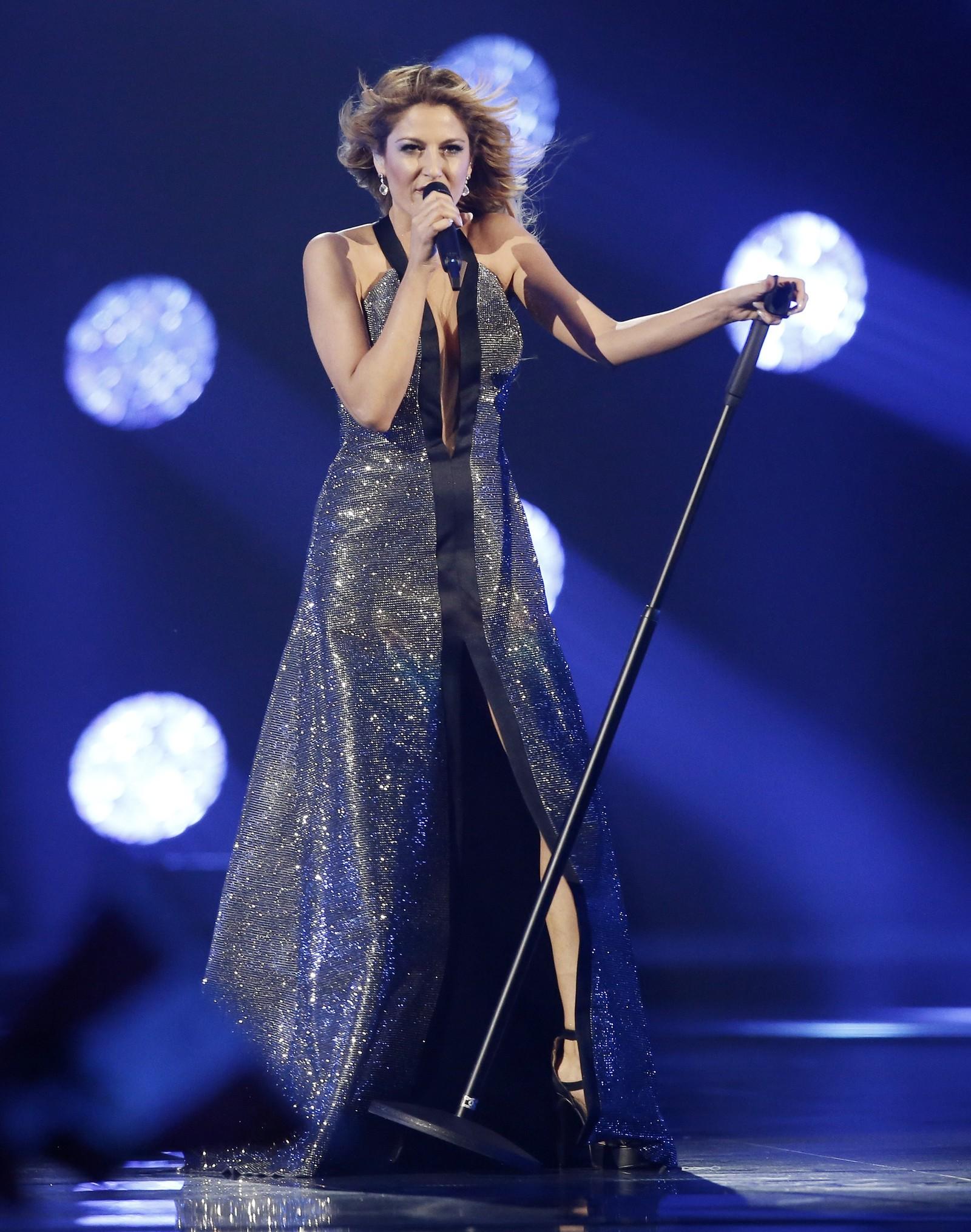 15. HELLAS: Hellas deltar med Maria-Eleni Kyriakou. Hun er av kypriotisk opprinnelse, og er allerede kjent for det greske folk gjennom en deltakelse i greske Idol. Låten hun deltar med i Eurovision er en ballade med navn «One Last Breath».