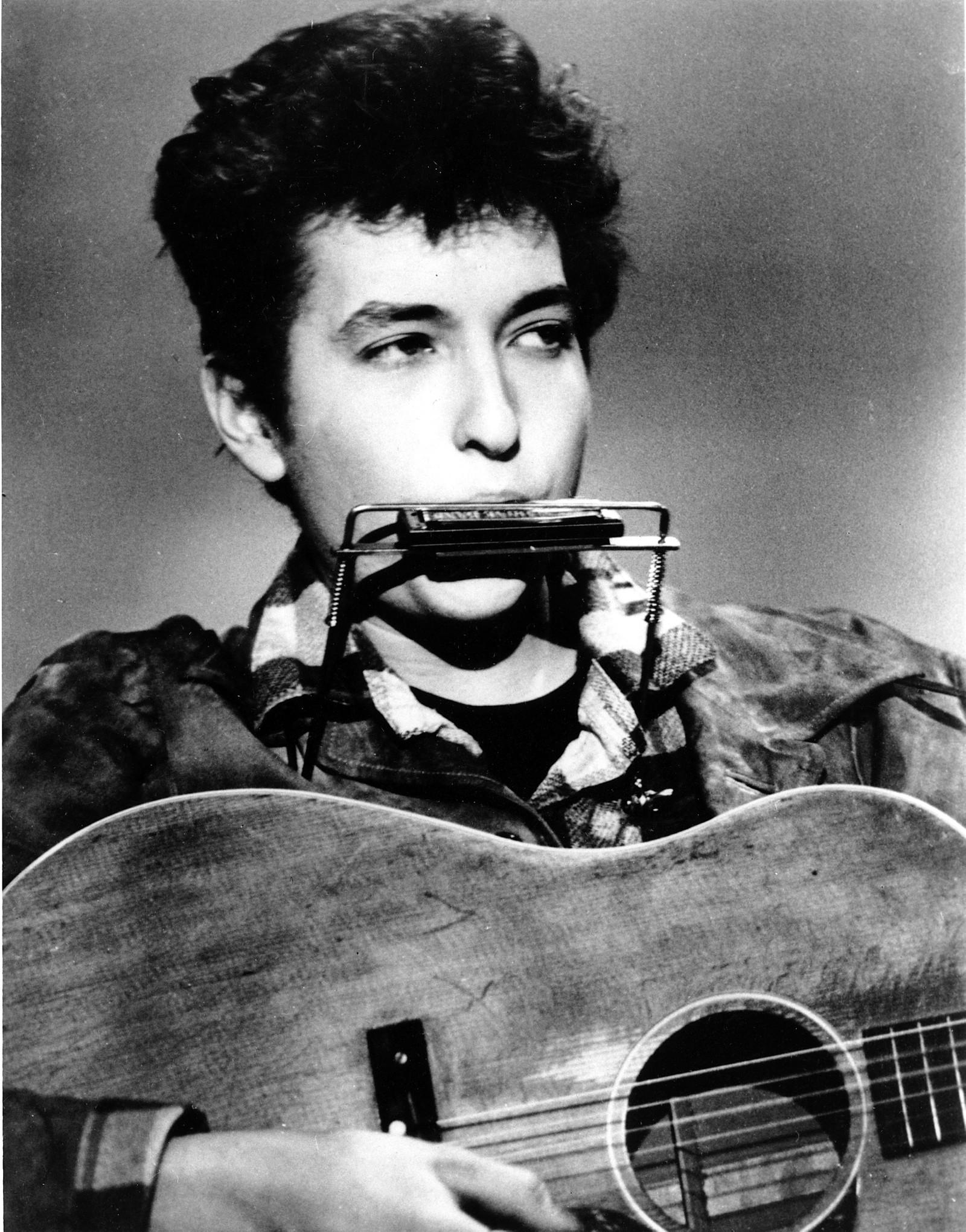 Dylan i sine yngre dager, her fra 1963 - samme år som han slapp andrealbumet The Freewheelin' Bob Dylan.