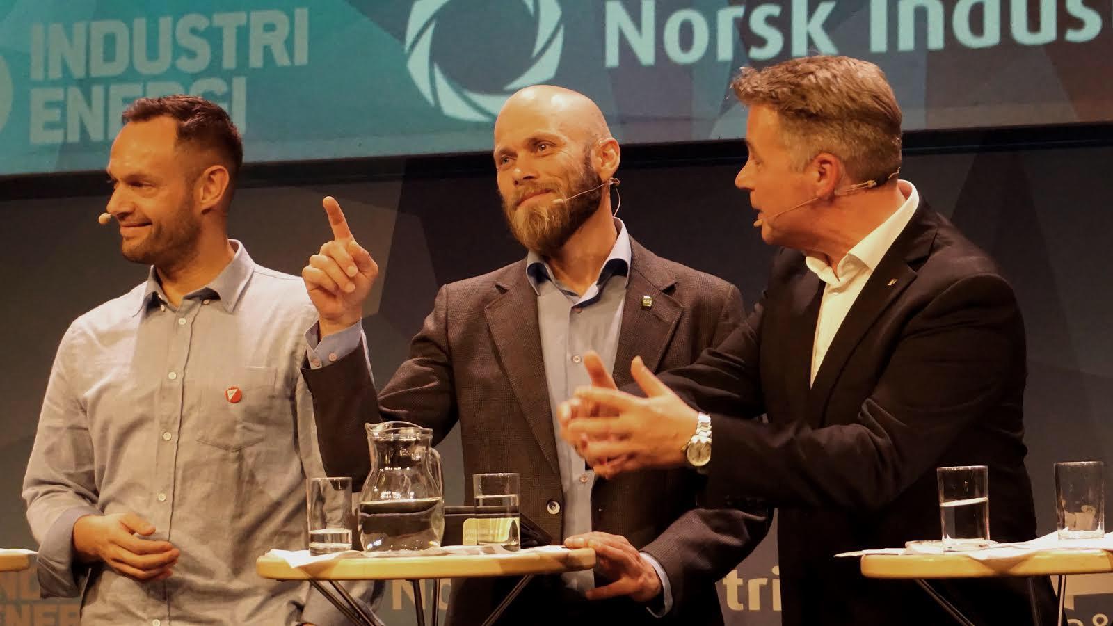 Mikal Nerberg (MDG) i debatt med Torgeir Knag Fylkesnes (SV) og Per-Willy Amundsen (FrP).
