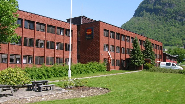 Administrasjonsbygningen til Statens Vegvesen i Askedalen på Hermansverk. Foto: Arild Nybø, NRK.