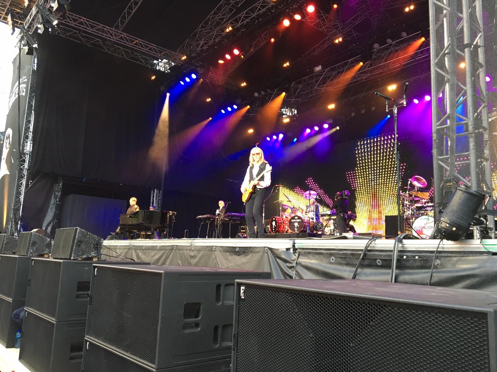 Gitaristen til Elton John, Davey Johnstone, har spelt i bandet til Elton John sidan starten i 1969.