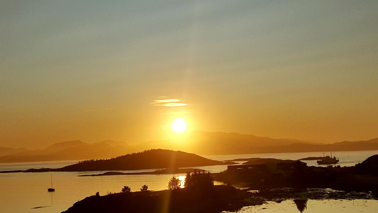 Dagens solnedgang frå Tømmervåg