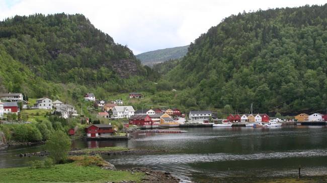 Her i Leirvik var det bøndene frå Brekke måtte betale skatten sin. Foto: Ottar Starheim, NRK.