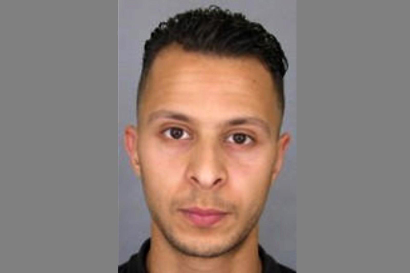 Dette fotografiet ble brukt da politiet etterlyste Salah Abdeslam.