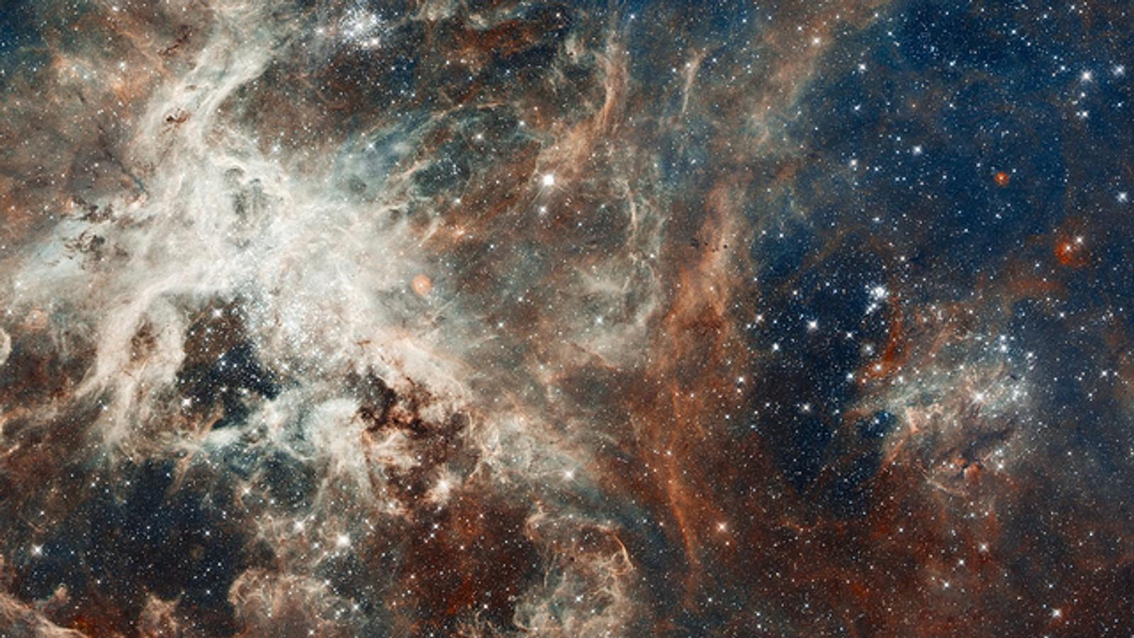 Støvpilarer i Carina Nebula.