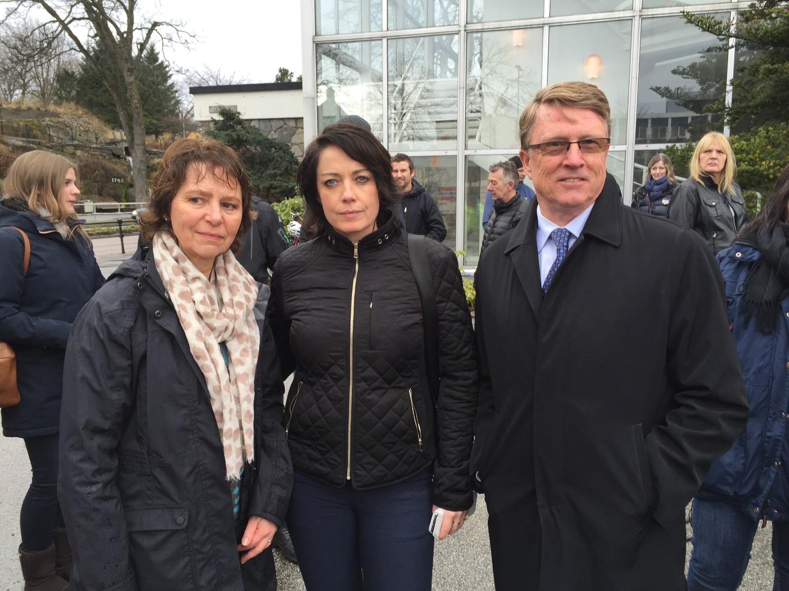 Unni Garberg, hovedtillitsvalgt ved Ello sammen med stortingsrepresentantene Else-May Botten (Ap) og Oskar Grimstad (Frp)