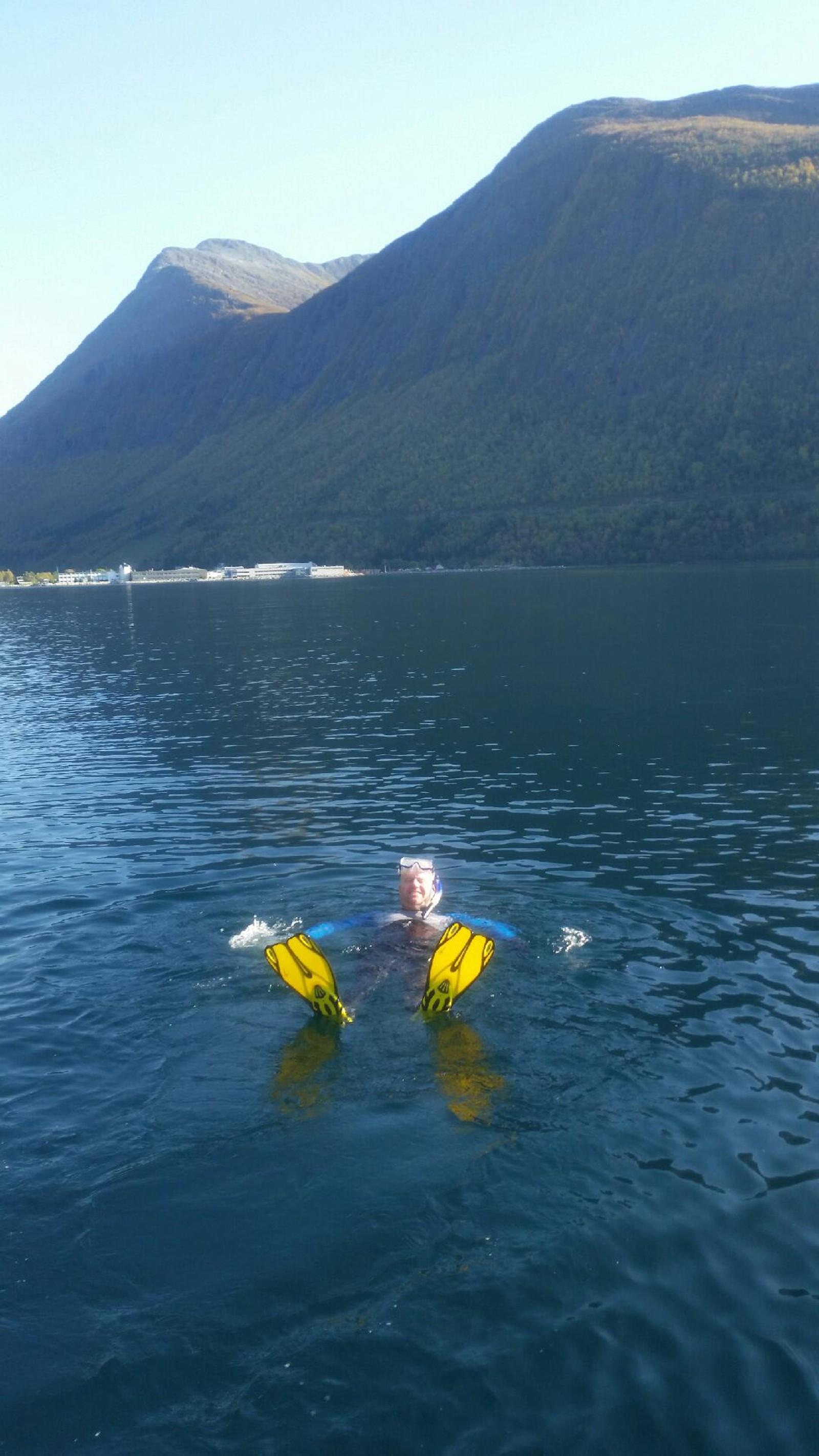 Snorkling etter båt i Norddal.