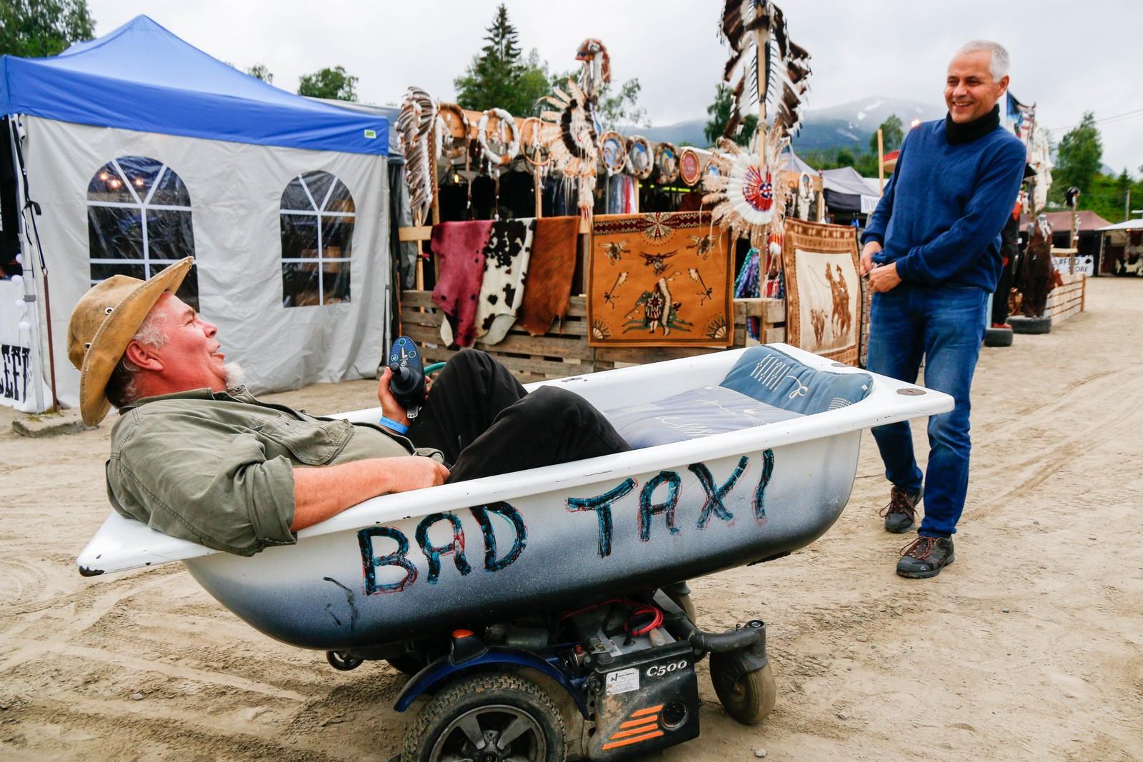Transportansvarleg på Norsk Countrytreff, Magne Støyva lurer på om han kan hyre uhyret til Jim til folkeleg frakt.