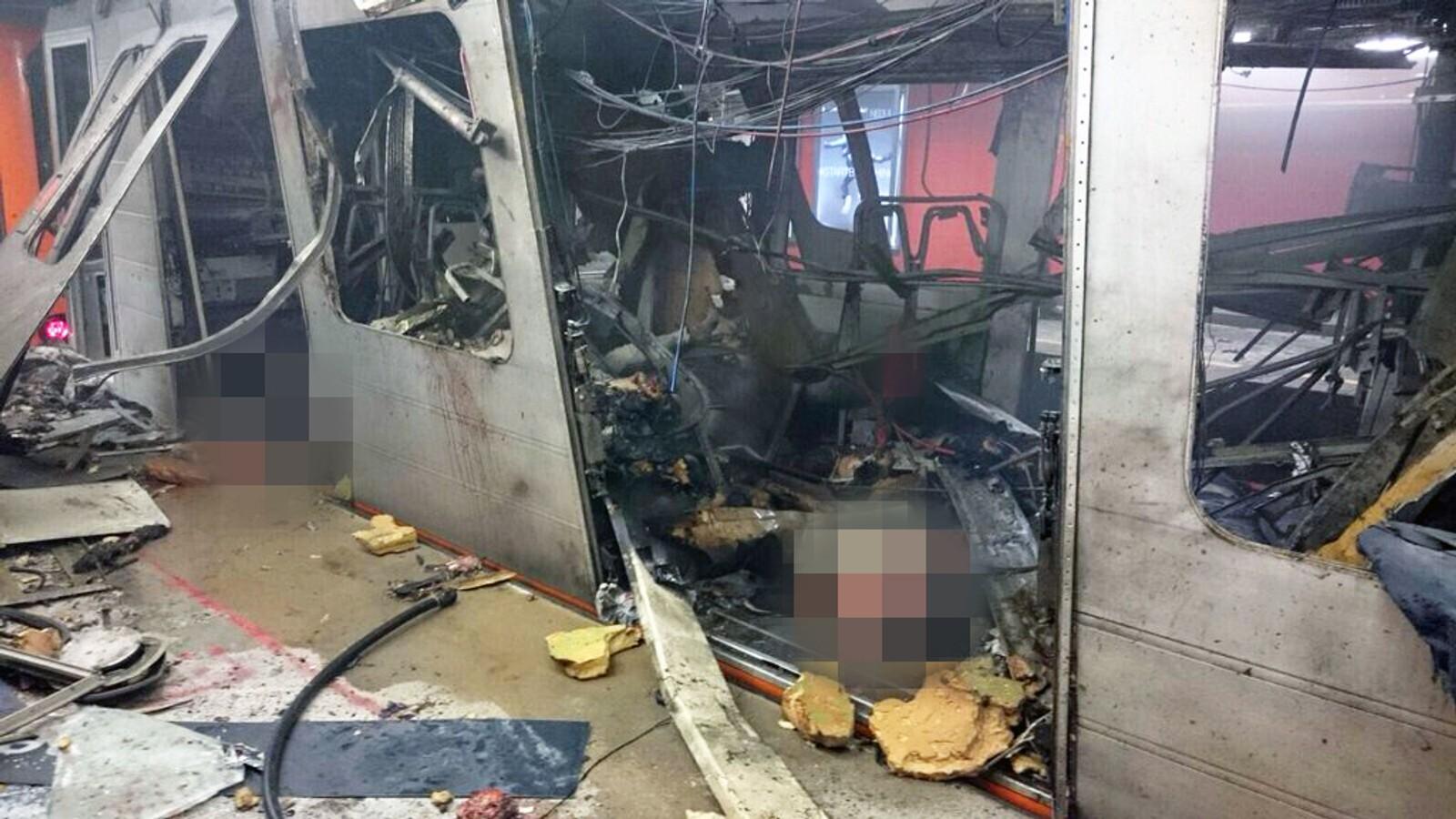 Bilder fra sosiale medier viser store skader etter eksplosjonen ved Maelbeek. Bildet er sladdet av NRK.