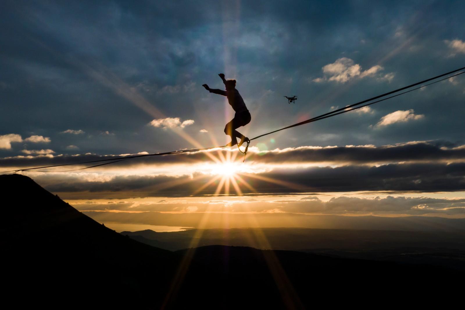 Highline Extreme er navnet på et arrangement i de sveitsiske alper der noen av verdens mest høytsvevende våghalser balanserer på line.
