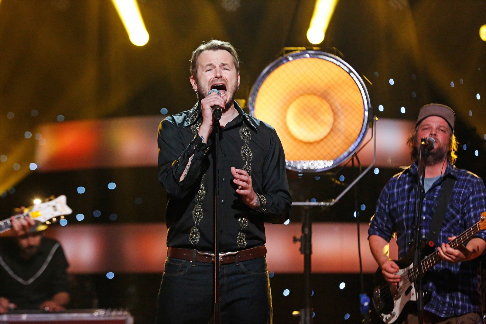 JOBBET MED UTTALEN: Før Knut Anders Sørum sang «I Told You So» i Stjernekamp måtte han øve på uttalen med mentor Claudia Scott.