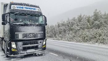 Snø ved Graddis på riksvei 77, 2. september 2021.