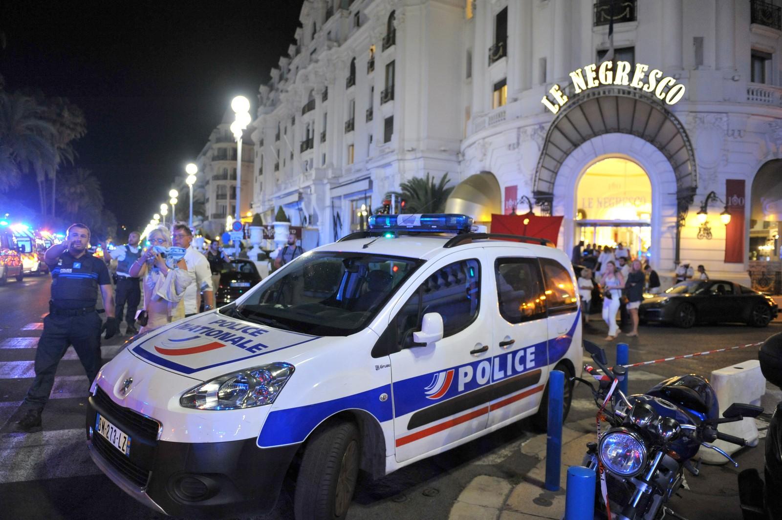 Angrepet skjedde i nærheten av hotellet Le Negresco ved promenaden i Nice.