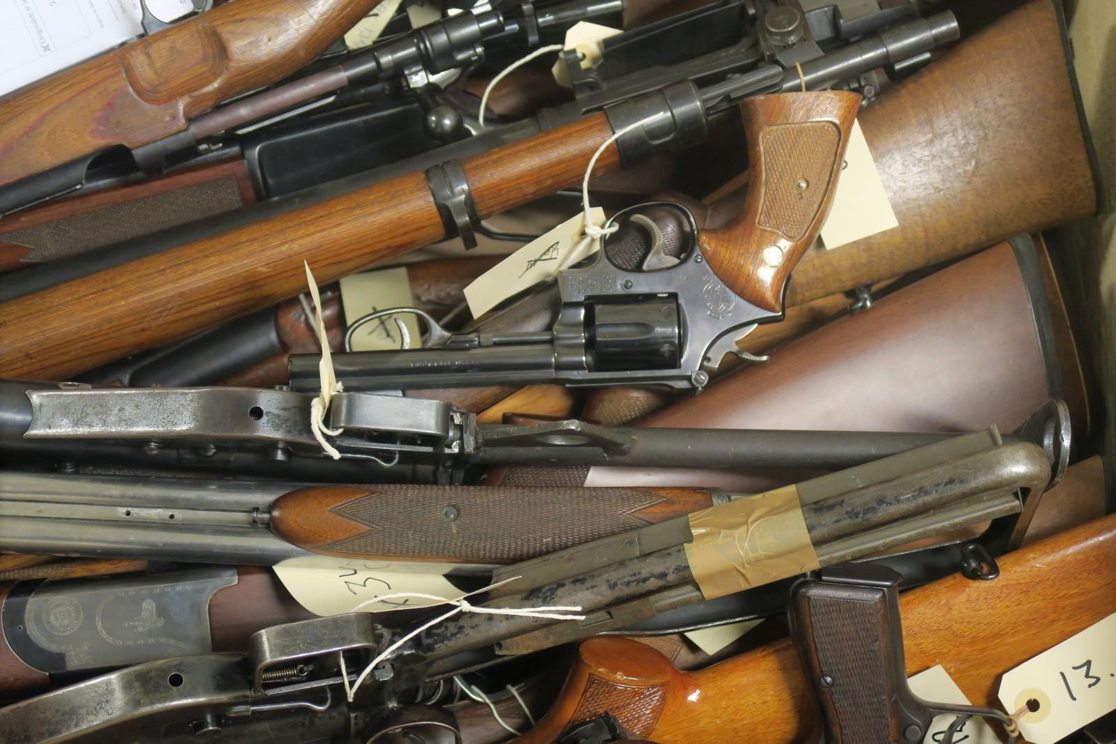 De fleste våpen som beslaglegges i Norge ender opp her hos Kripos.