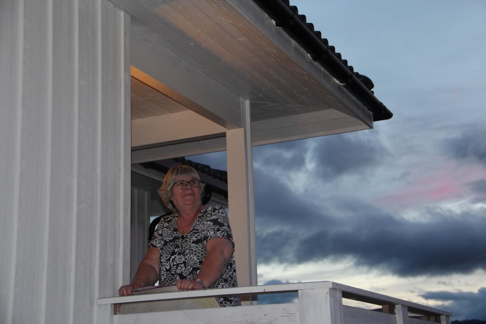 Tove Gebhardt i bygda Badderen sier at hun ikke vil til Finnmark: – Hvis vi slår oss sammen med kommunene i Finnmark får vi ingen ting. – Jeg har vært med på en kommunesammenslåing med Tromsø og Tromsøysund og da fikk vi i Tromsøysund ingen ting, sier hun.