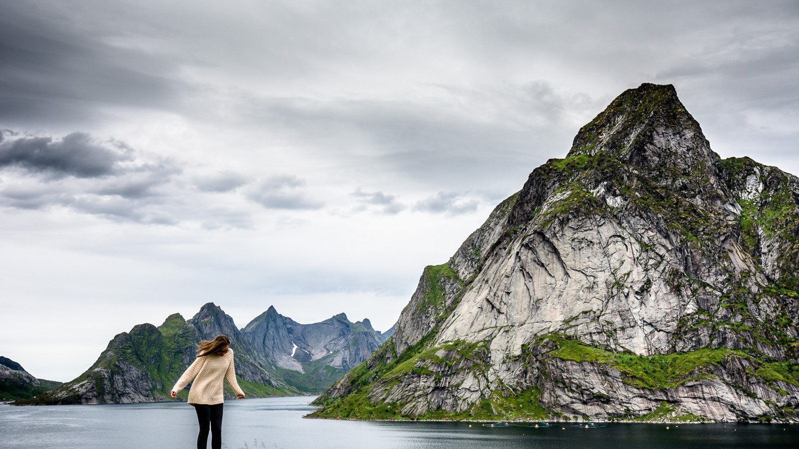 Lofotens ville fjell som går rett ned i havet ble før i tiden sett på som grusomt stygge av en del tilreisende.