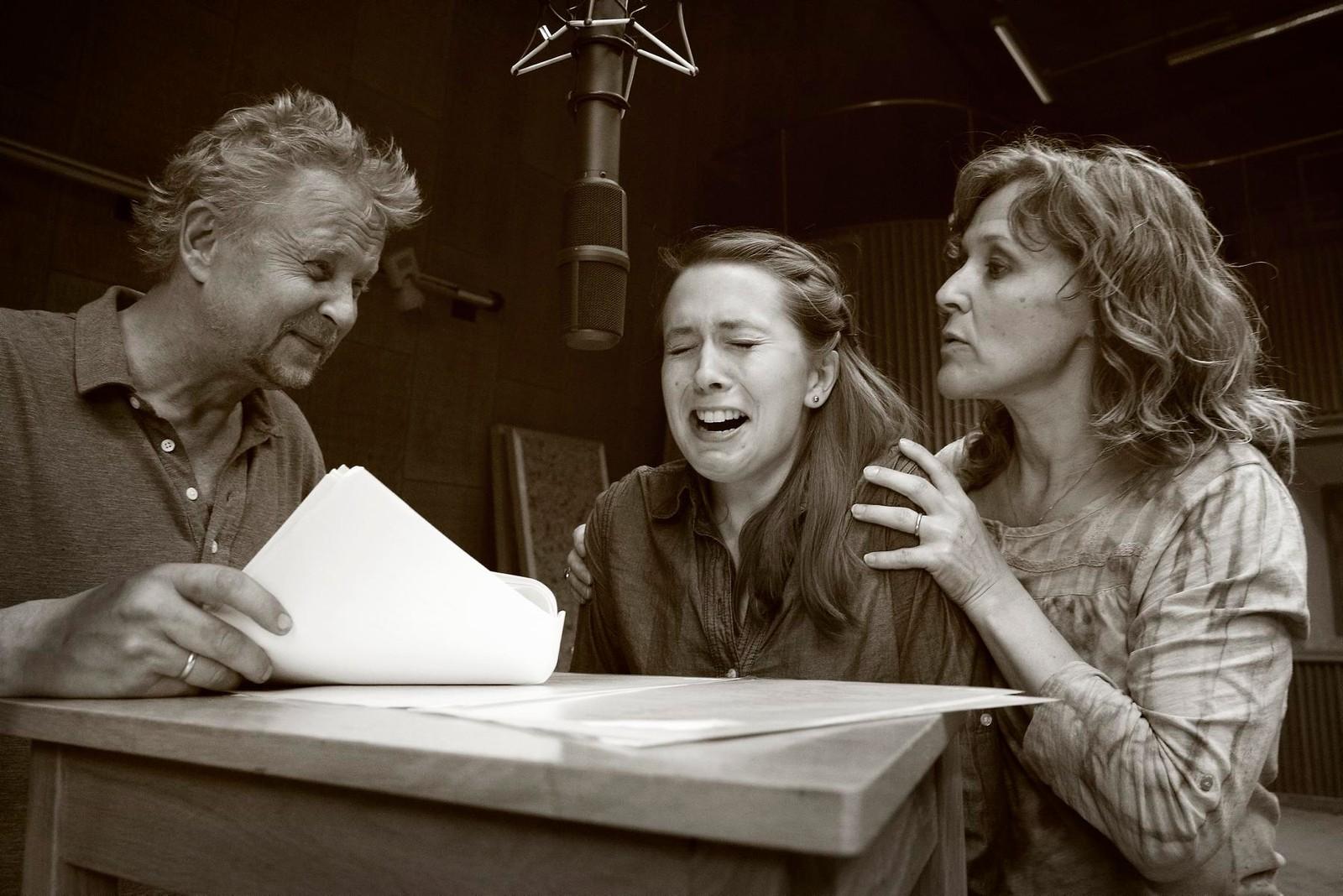 Skuespillere under opptak i Radioteateret.