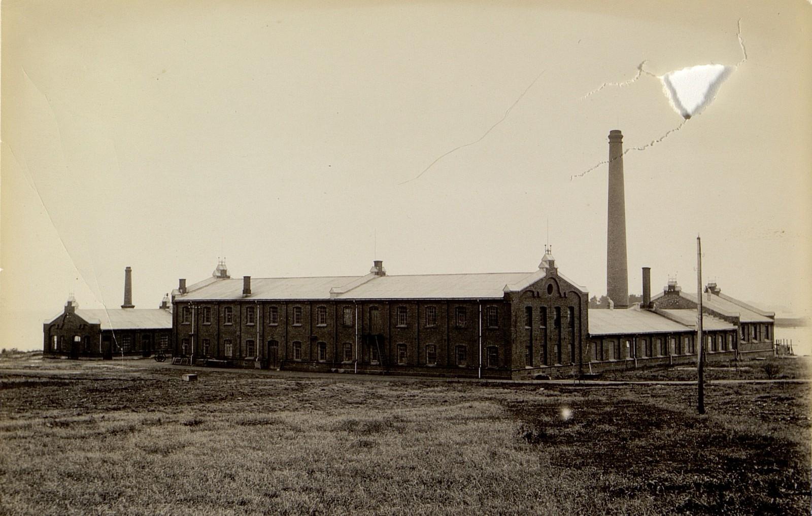 Fabrikken i 1898