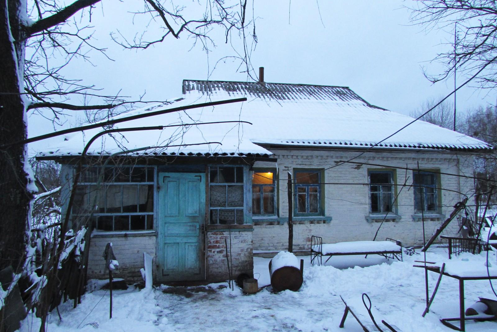 Hele landsbyen var med på å bygge huset til Maria og Ivan som sto ferdig halvannet år før eksplosjonen.