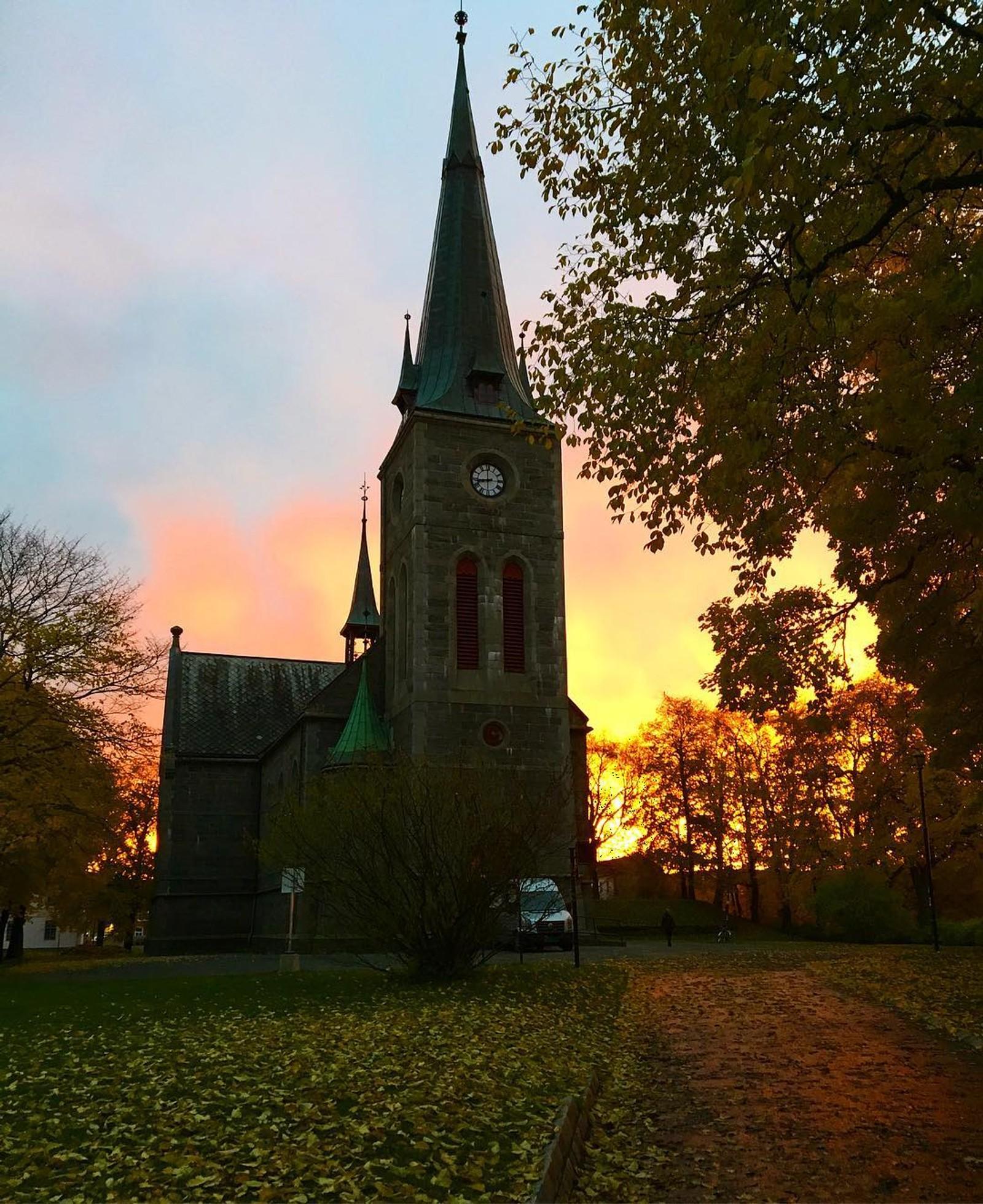 Ila kirke i oktober. Tatt av @monasteigedal.