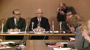Pressekonferanse med Bratteli