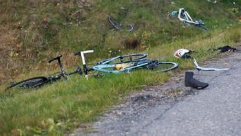 Ødelagt sykkel i veigrøfta etter påkjørsel nær Gardermoen