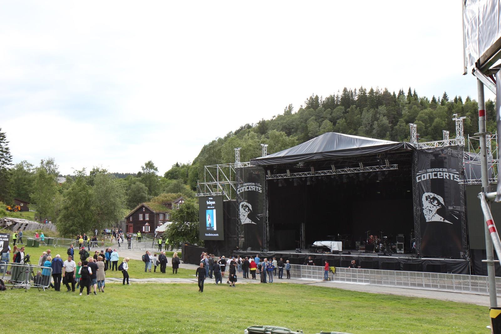 Publikum strømmer til Sverresborg og Elton John-konsert