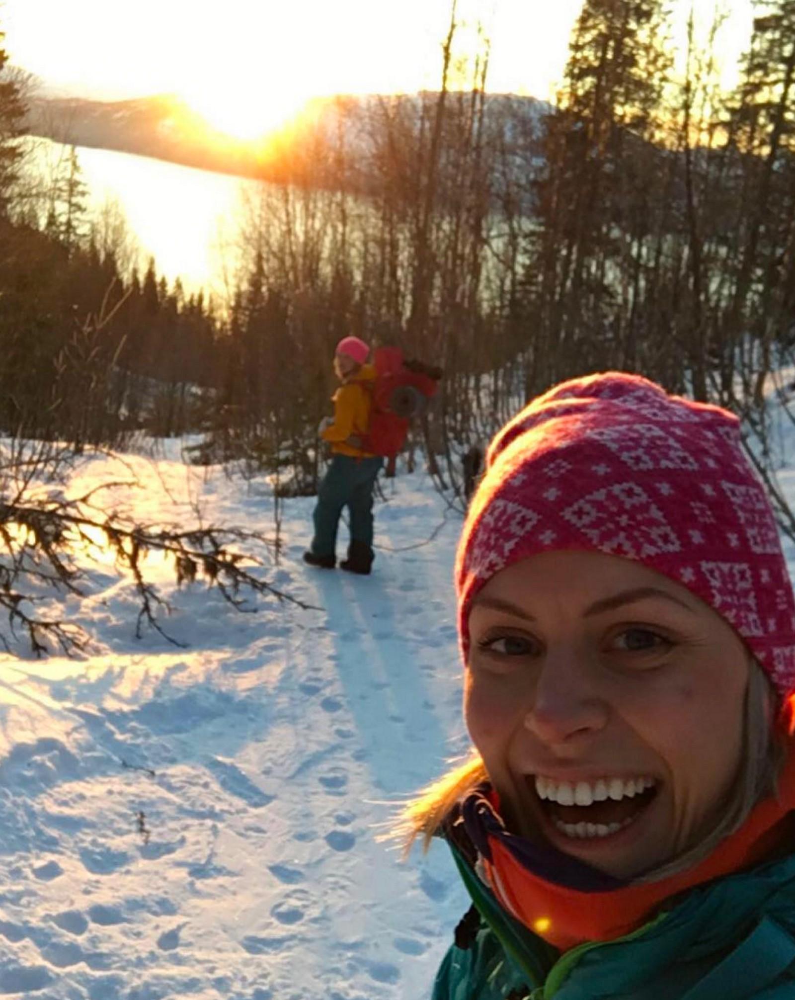 @irenehoelmo koser seg med en skitur i Rana.