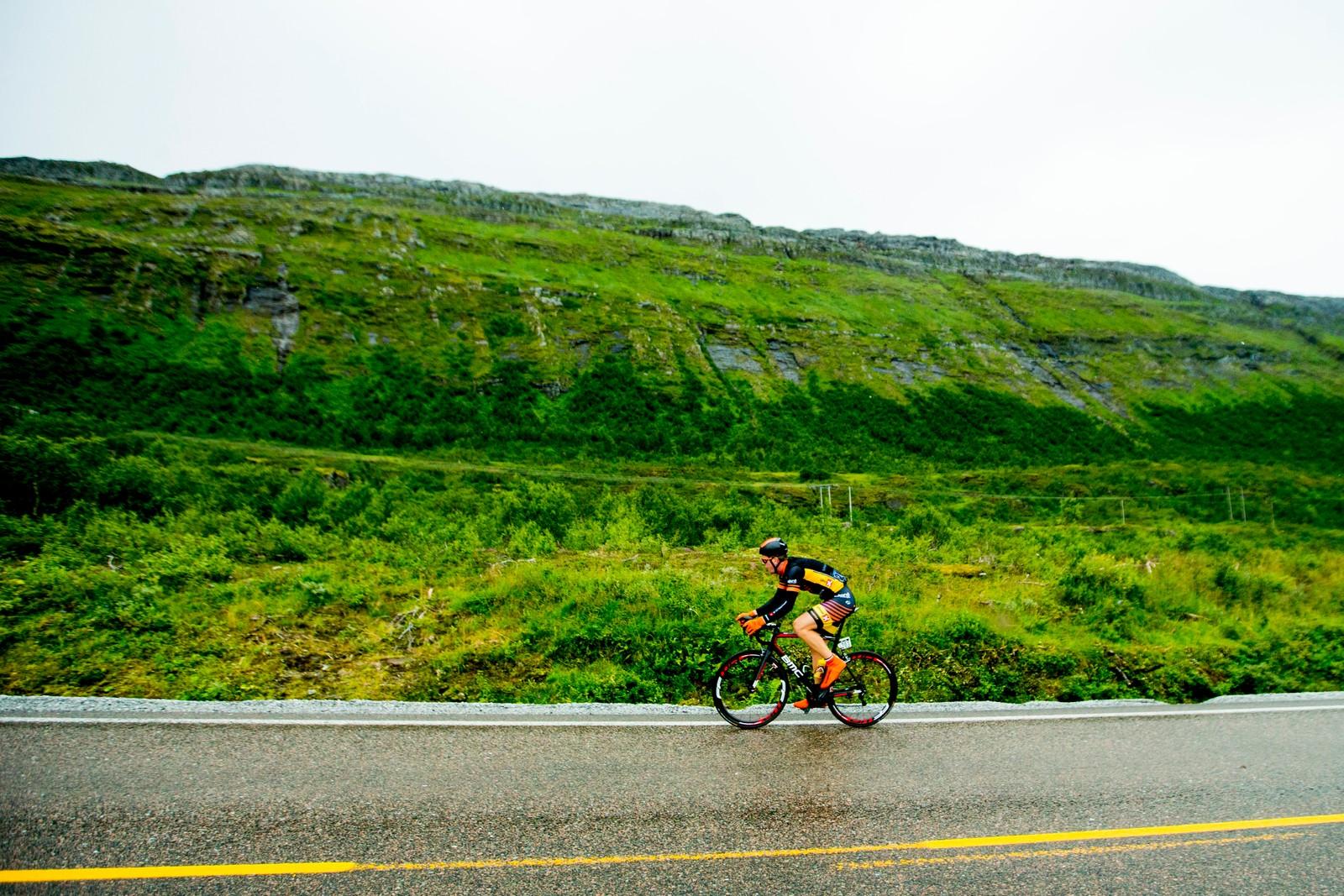 Herman Dahl (Team Sparebanken Sør) under tredje etappe i sykkelrittet Arctic Race of Norway lørdag.