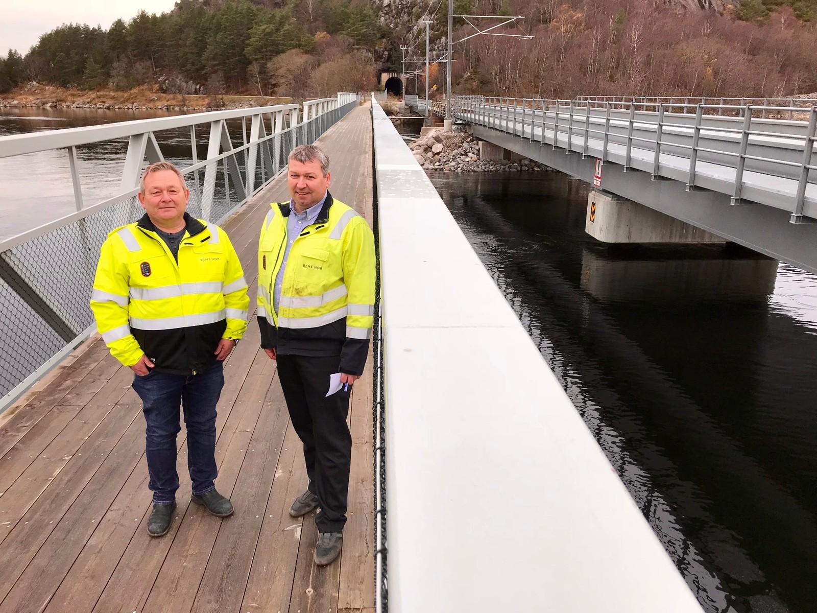 Til venstre Kurt Jensen, byggeleder og Rune Jensen, prosjektleder i Bane NOR.