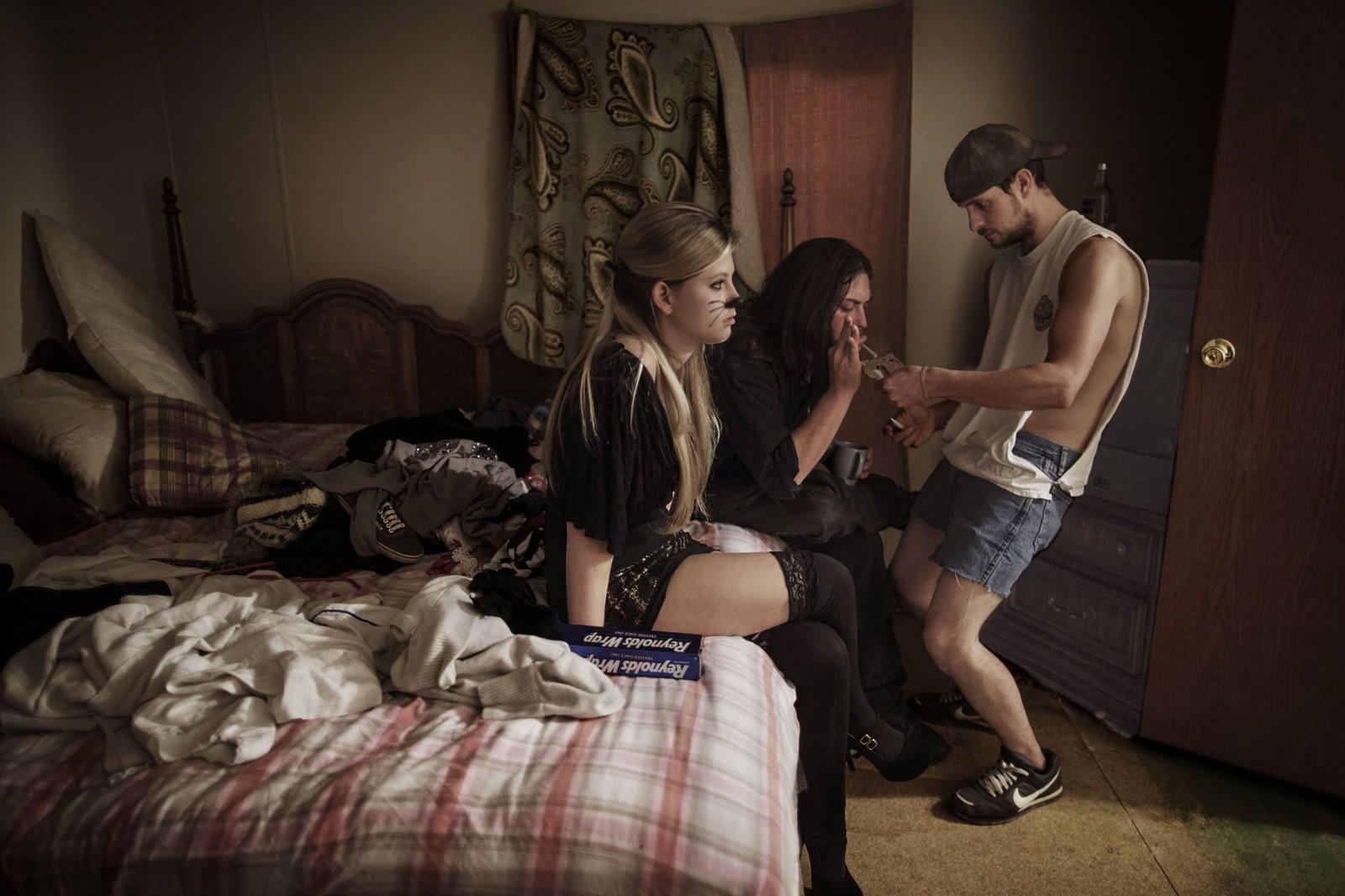 VG-fotograf Espen Rasmussens fotoserie «The curse of coal» tok førsteplassen i kategorien «hverdagsliv» under Sony World Photography Awards . Bildeserien skildrer livet til kullarbeidere i den amerikanske delstaten Vest-Virginia.