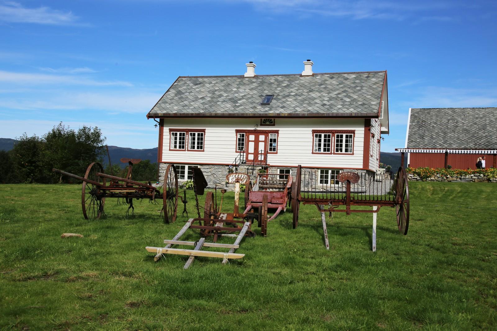 Våningshuset på Blakstad Gard er fra 1800-tallet.