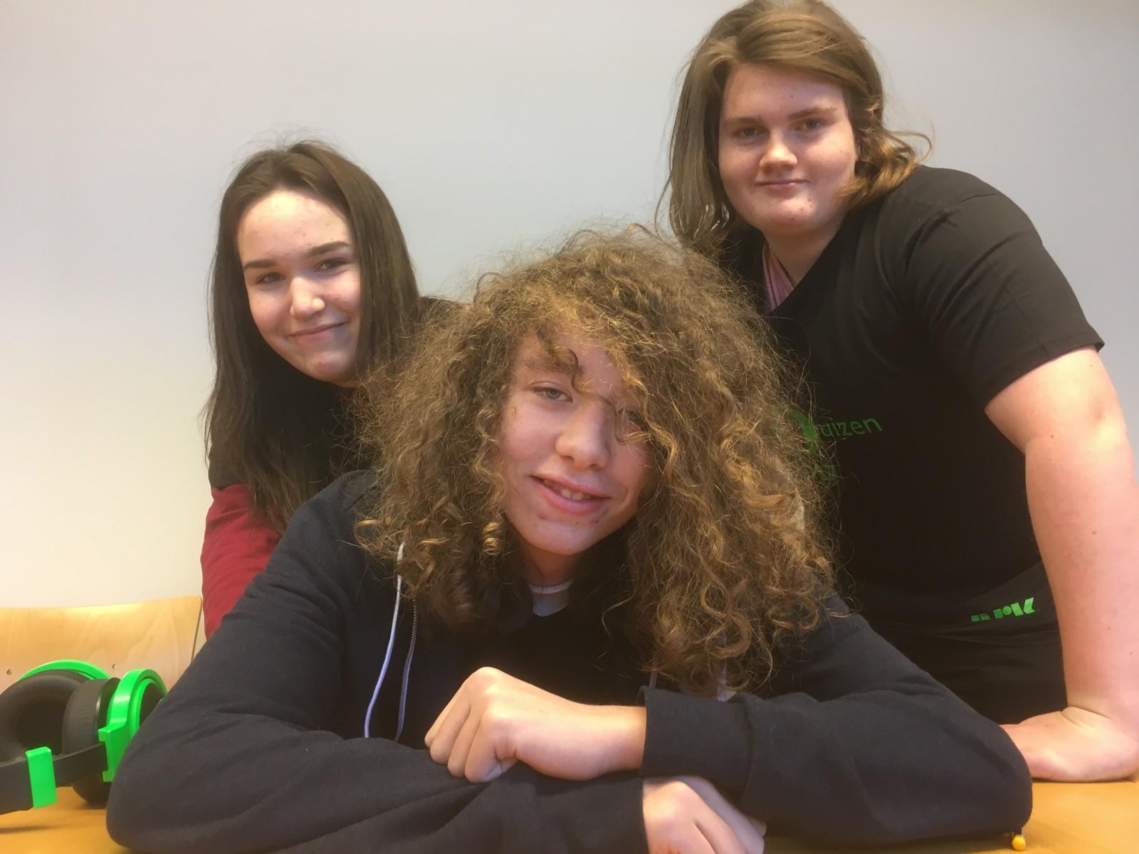 F.v. Regine Emilie Hyll, Jonas Westvold Torjussen og Chris Albert Furulund fra Steinerskolen på Hedmarken fikk åtte rette.