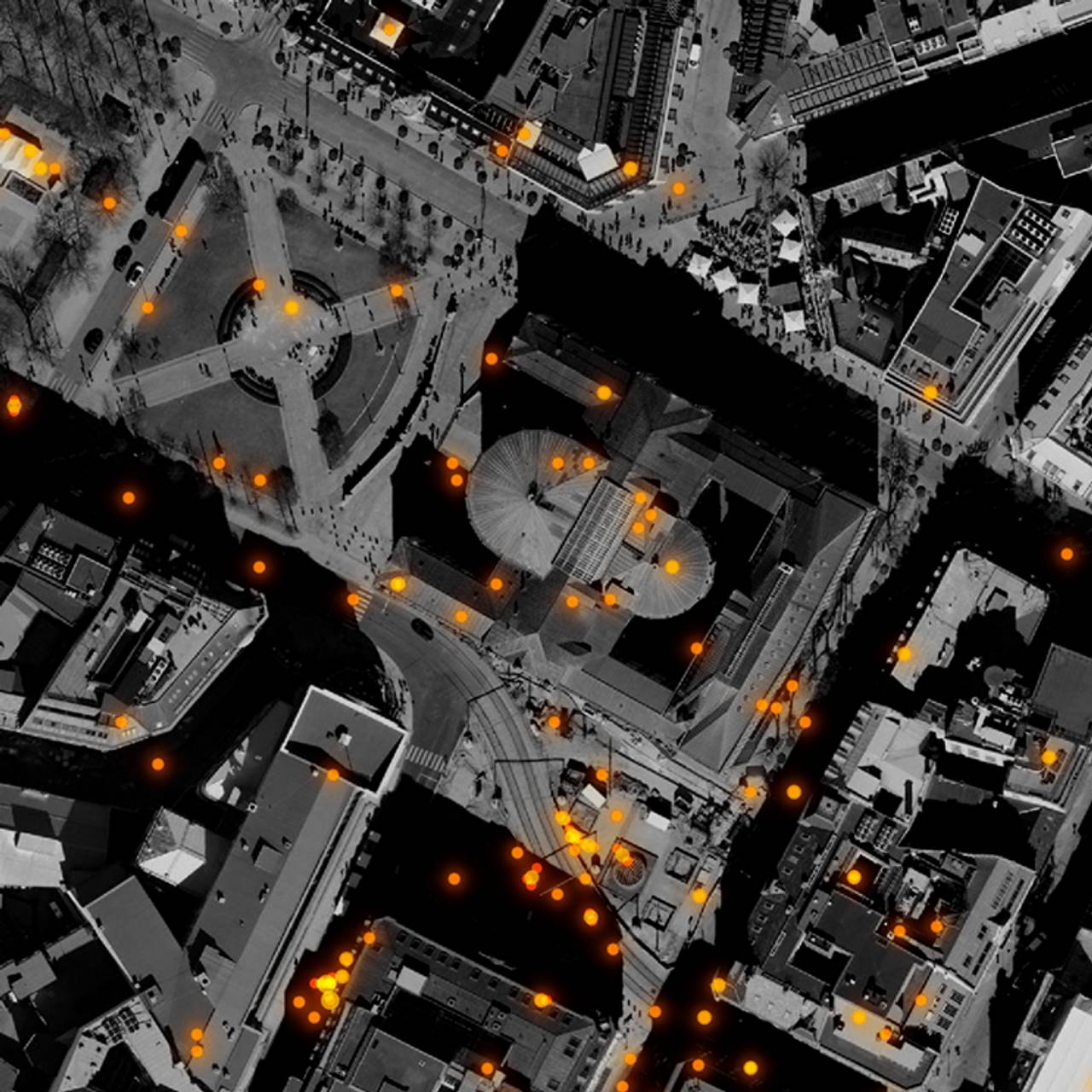 Flyfoto som viser mobilposisjoneringer i området rundt Stortinget