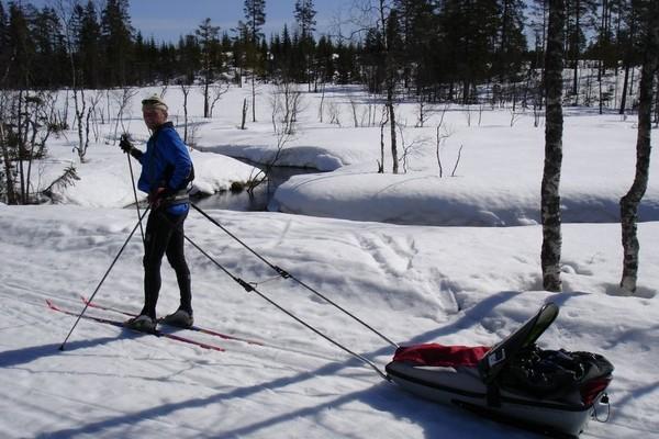 Skitur med pulk i Nordmarka.  - Foto: Wenche løfsgaard