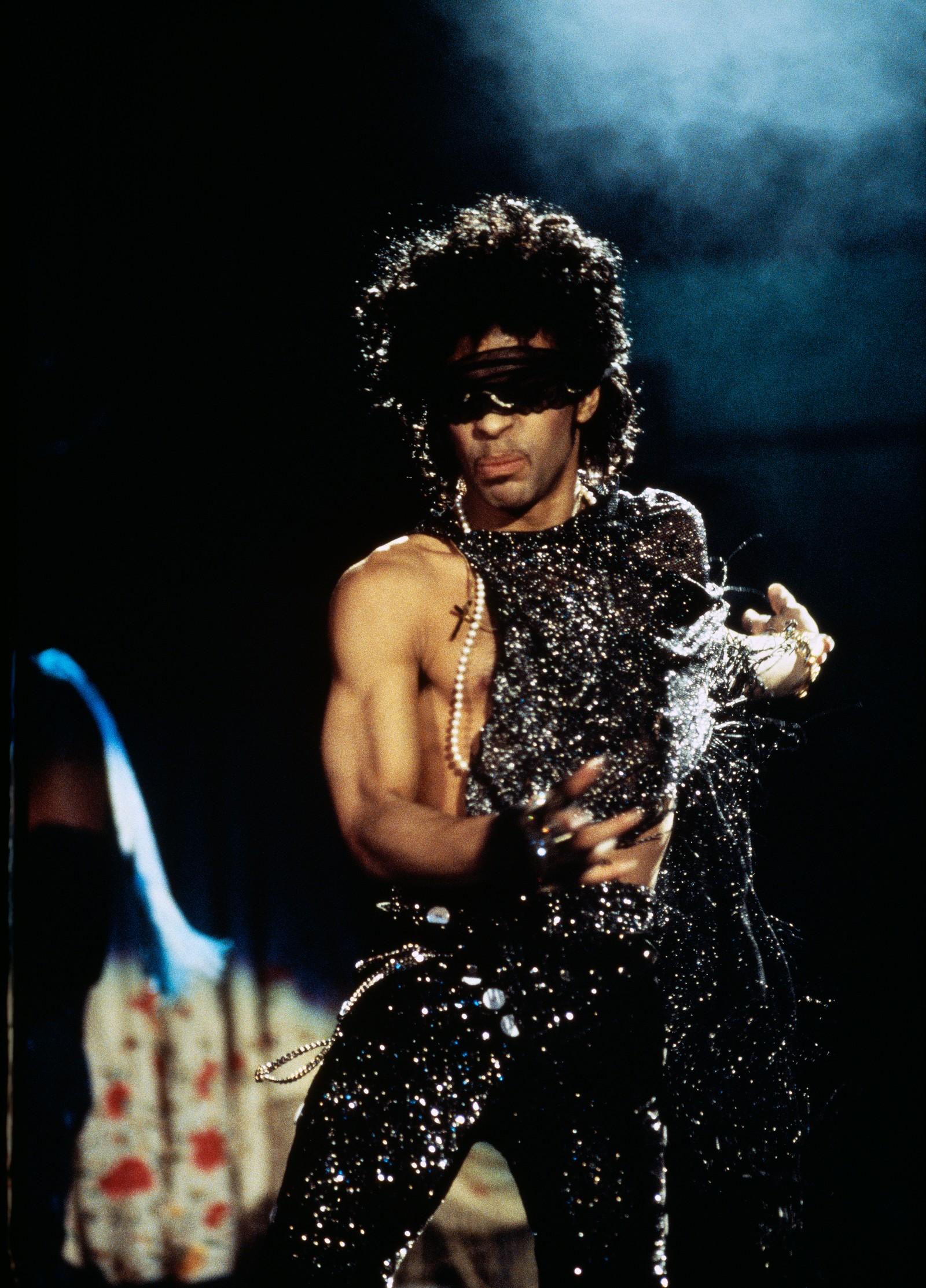 Nancy Bundt måtte gjennom en liten test før hun fikk jobben som turné-fotograf. Hun ble invitert til å ta bilder hjemme hos Prince. Han likte bildene og hun fikk jobben. - Den gangen i huset hans var omtrent den eneste gangen vi fikk snakket om hva slags uttrykk han ville ha i bildene. Og Prince visste nøyaktig hva han ville ha og det gjorde det enkelt for meg.