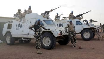 FN-soldater i den fredsbervarende styrken for Mali utenfor basen i Kidal