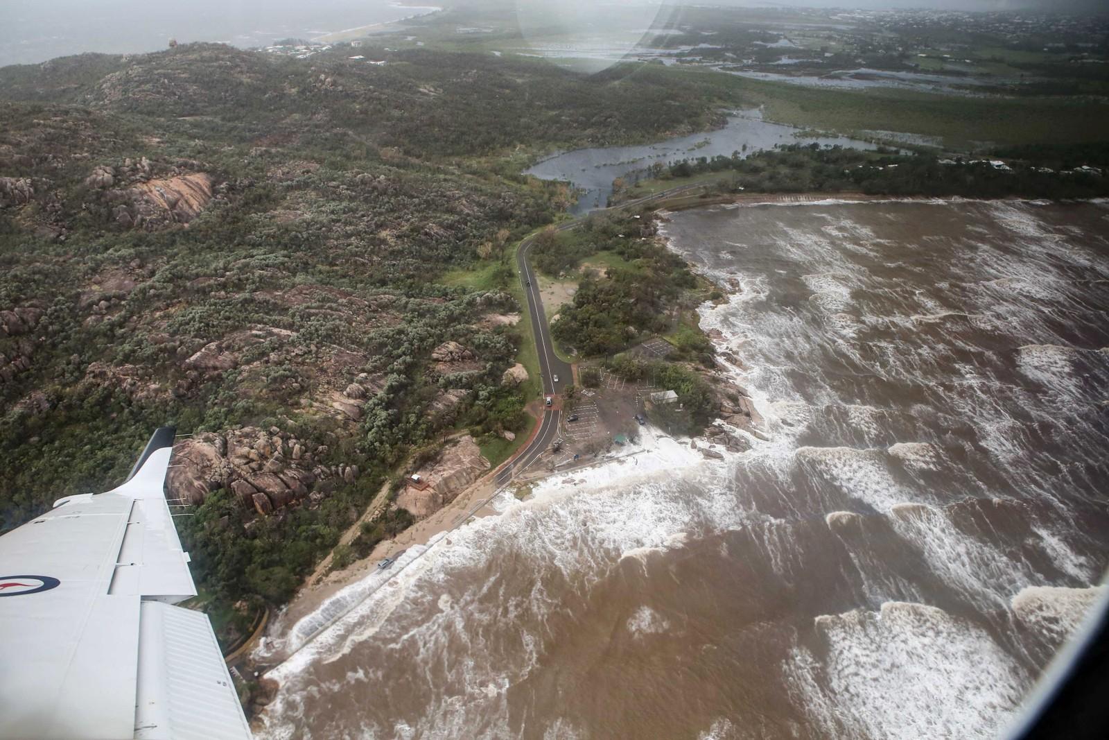 Områdene rundt Bowen er rammet av kraftig flom.