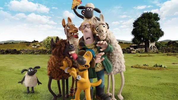Britisk animasjonsfilm. Når bonden og Blitzer drar på markedet, sniker Sauen Shaun seg med for å gjøre skøyerstreker. Hva med å få tre nye lamaer på gården?