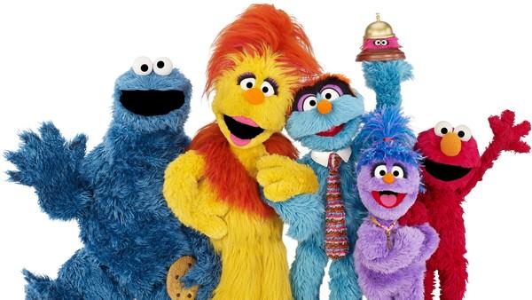 Amerikansk animasjonsserie. Kom og sjekk inn på hotellet der Elmo, Kakemonsteret og de andre tar imot gjester av alle slag.