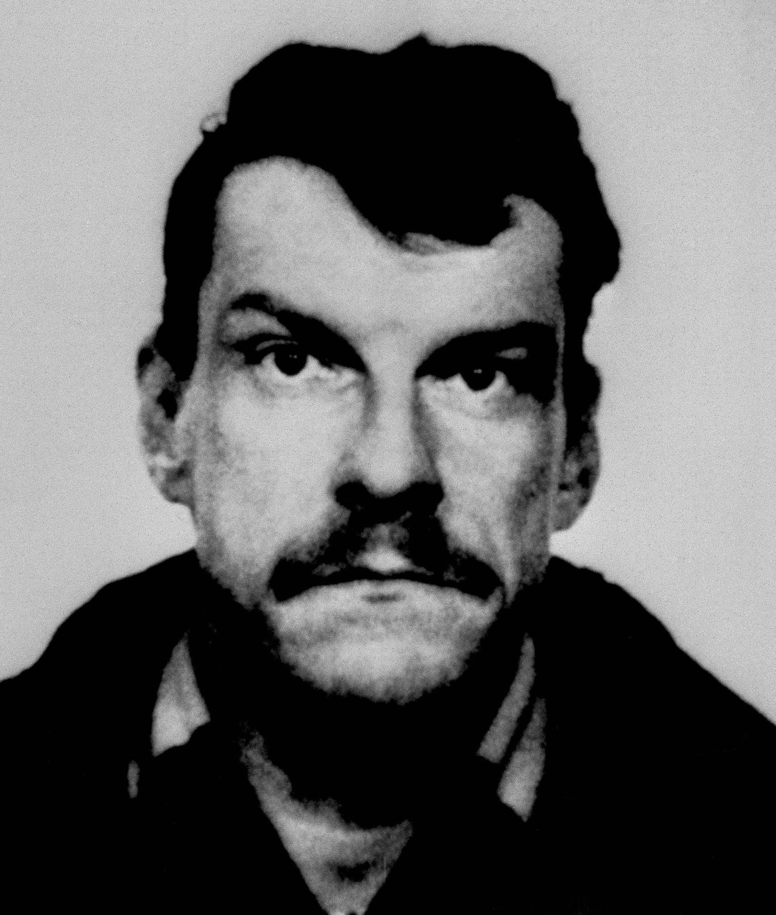Svenske Christer Pettersson ble i 1988/1989 pågrepet og senere dømt for drapet på Olof Palme. Dommen ble imidlertid opphevet 1989 og Pettersson løslatt.