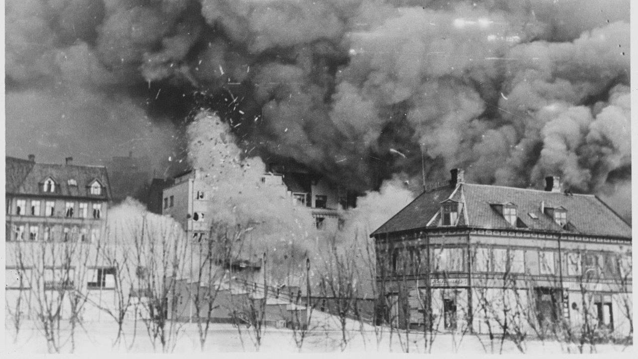 Tysk flyangrepet på Narvik 1. juni 1940.