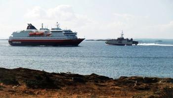 Nordlys møter militært fartøy utenfor Ørland