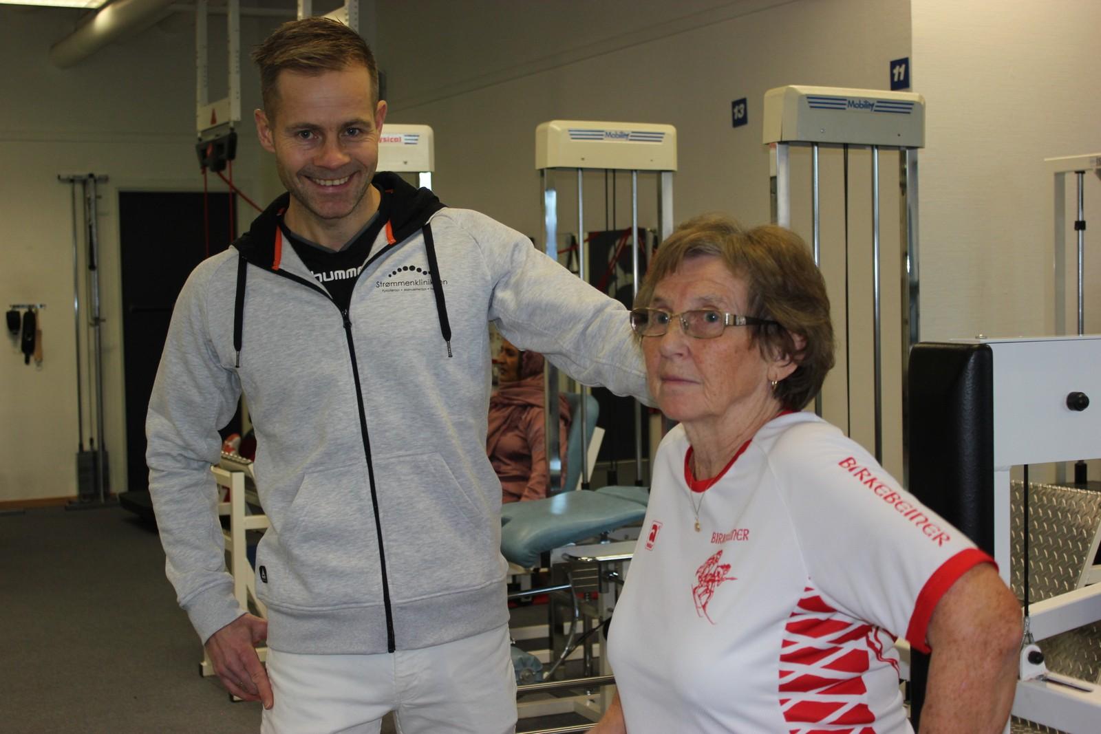 BAGADA: Fysioterapevta Jon Olsen čuovvu mielde ahte hárjehallaba rivttes láhkai.